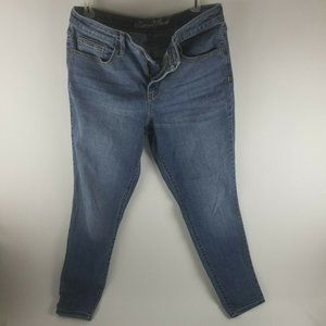 Women's Blue Jeans By Universal Thread Size 12/31S